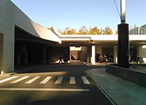 駐車場や車用の通路も整備