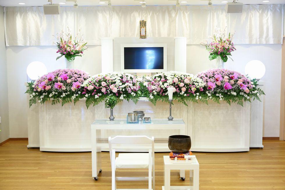 家族葬のファミーユ青山斎園前の祭壇イメージ
