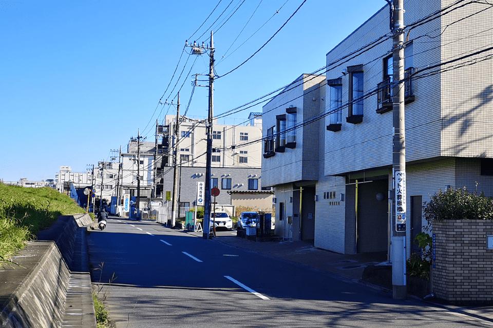 戸田葬祭場の隣にあります