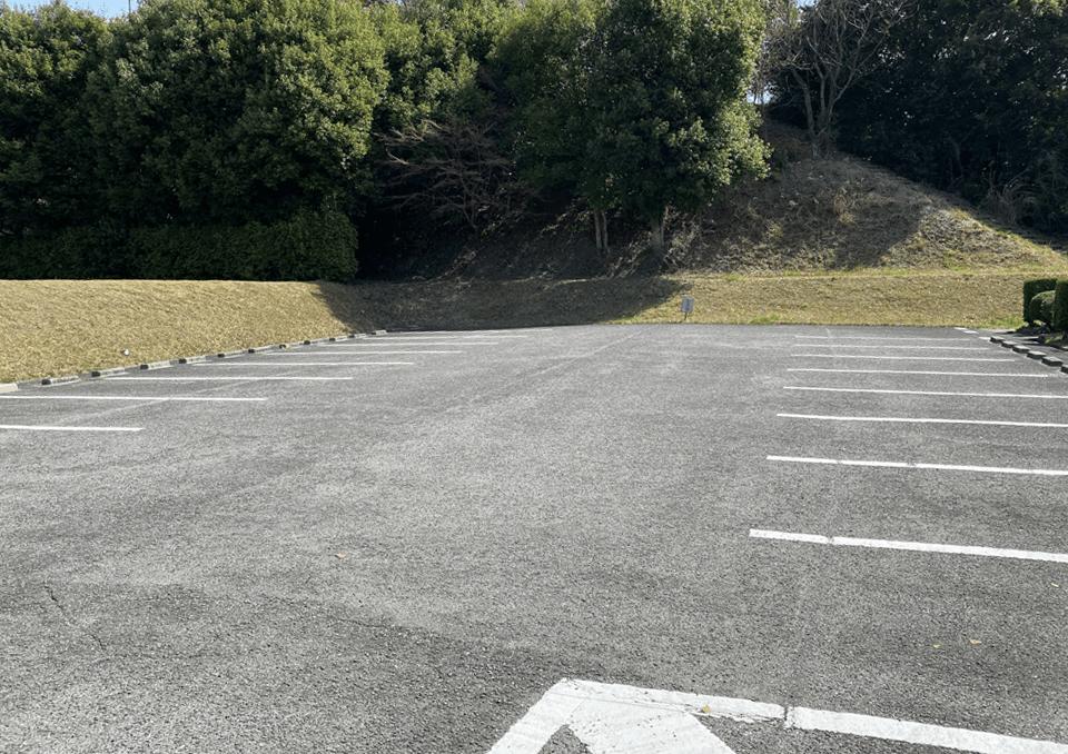 川西市斎場 駐車場