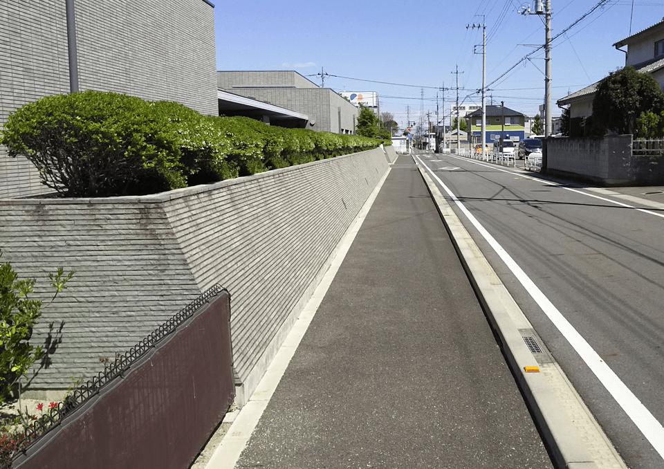 前橋市斎場前の道路