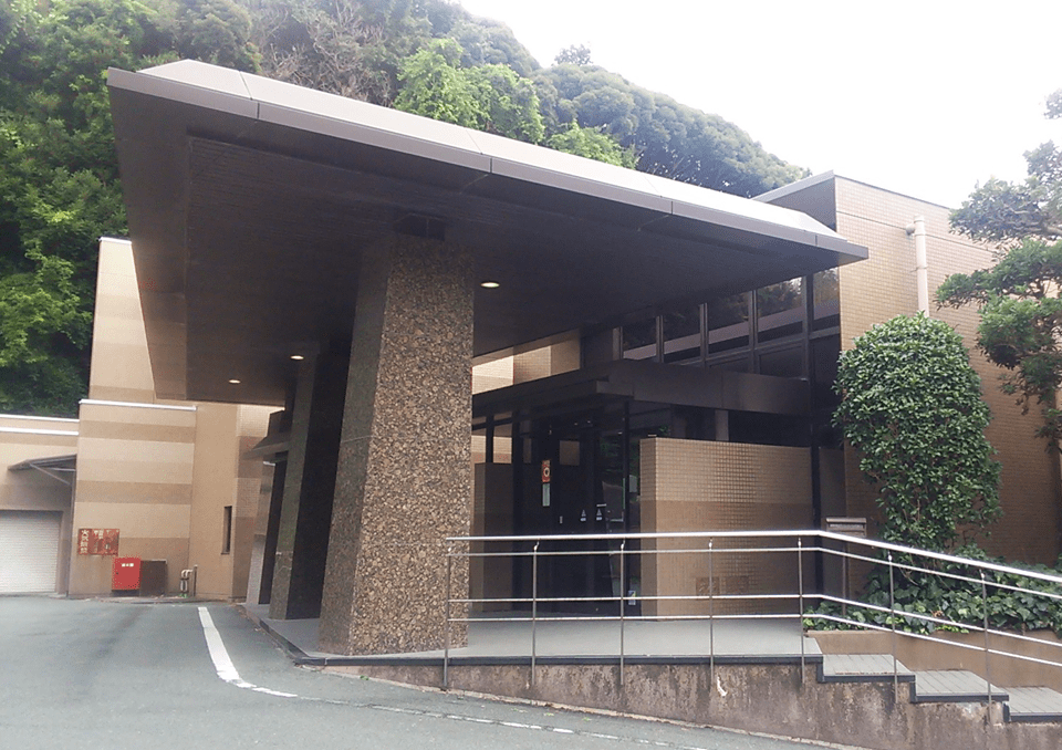 雄踏斎場 外観2